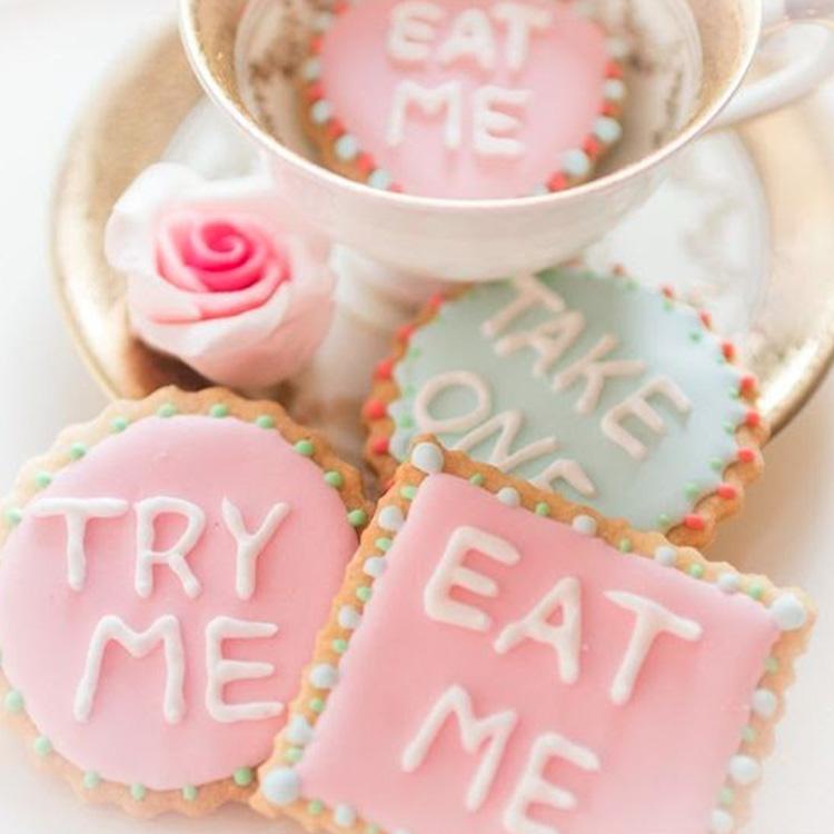 Biscoitos decorados Festa Chá da Alice